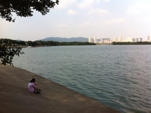 Scenic lakeside riding in Wuxi